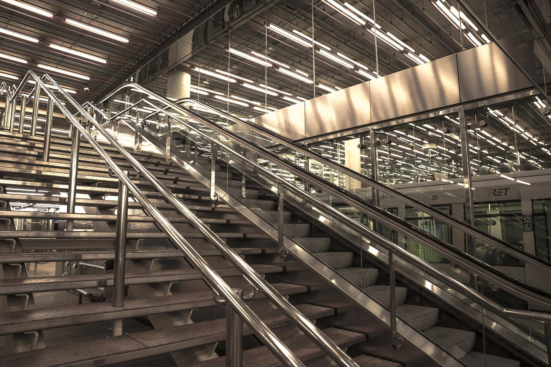 Treppen am Bahnhof